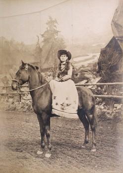 Annie_Oakley_by_Roland_Bonaparte